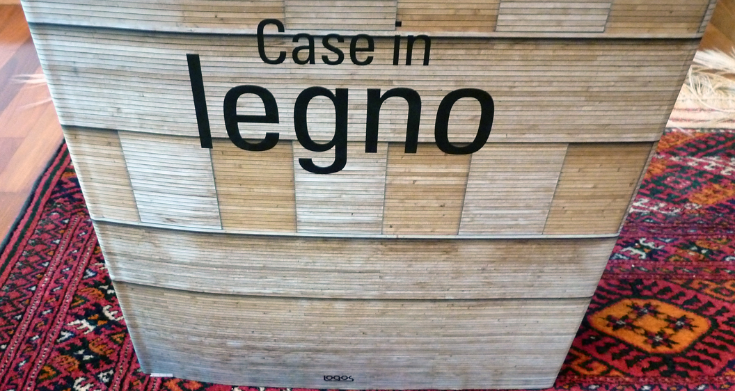 Logos, Case in Legno. Must Have.